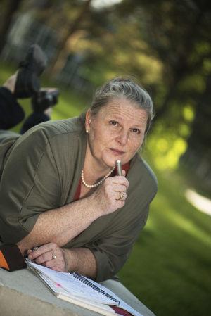 Eva Laspas - Herausgeberin Festival der Sinne-Onlinemagazin sucht Inspiration für neue Artikel im Grünen