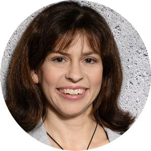 Regina Schmitt - Expertin für Beckenboden und Körpermitte